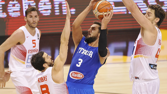 Ribas in action against Italy / FIBA.com