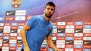Gerard Piqué leaves the press room at the Ciutat Esportiva following his press conference there on Thursday.  / MIGUEL RUIZ-FCB
