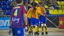 Los jugadores del Barça Lassa, celebrando un gol en el Palau. FOTO: Arxiu FCB