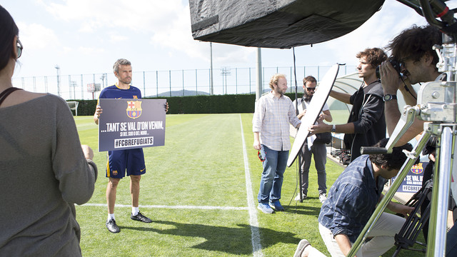 Luis Enrique during the recording of the video for the refugees / FCB