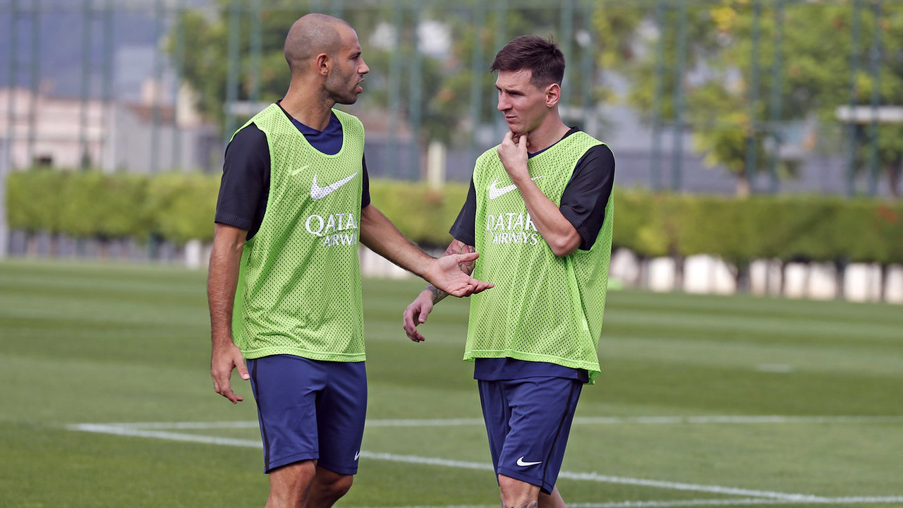 Javier Mascherano and Lionel Messi / MIGUEL RUIZ - FCB