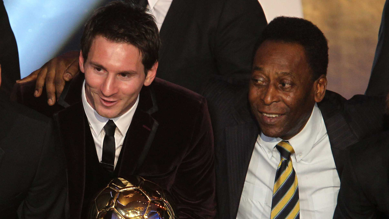 Messi and Pelé at the Balon d'Or ceremony in 2011 / MIGUEL RUIZ - FCB
