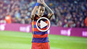 Neymar aplaude a torcida do Barça.
