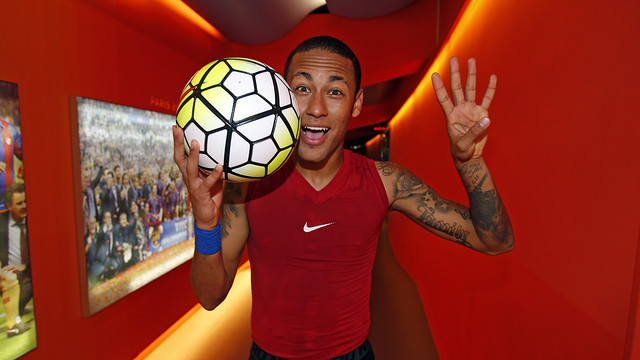 Neymar delighted after his display against Rayo / MIGUEL RUIZ - FCB