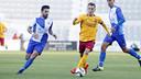 Grimaldo dribbles in Sunday's draw at Sabadell. / MIGUEL RUIZ - FCB