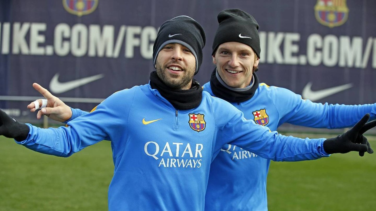Jordi Alba y Rakitic, en el entrenamiento de este miércoles / MIGUEL RUIZ-FCB