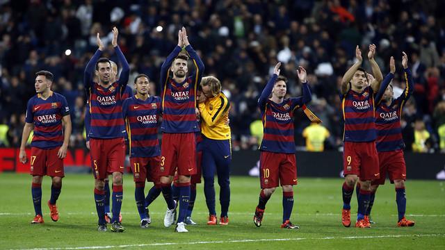 The team celebrating their win at the Santiago Bernabéu / MIGUEL RUIZ - FCB