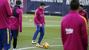 Suárez durant l'entrenament d'aquest divendres / MIGUEL RUIZ - FCB