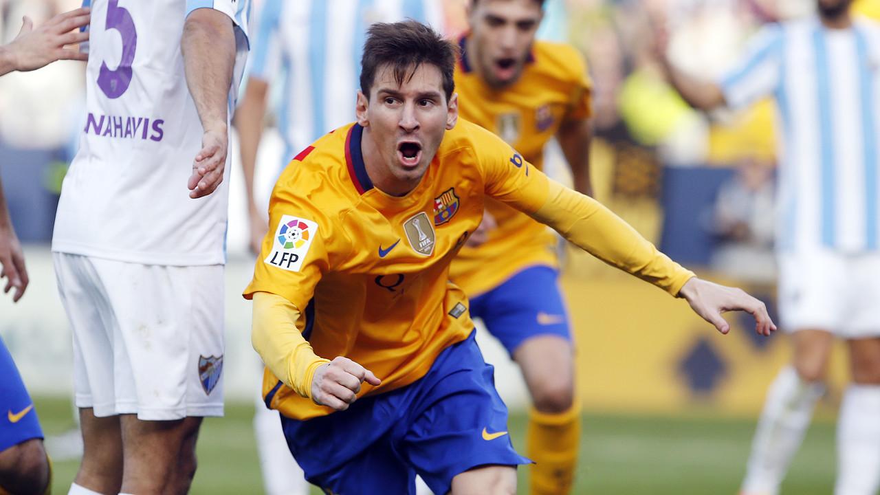 Leo Messi celebra el gol de la victòria a La Rosaleda / MIGUEL RUIZ - FCB