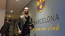 Arda Turan arribant al Camp Nou / MIGUEL RUIZ - FCB