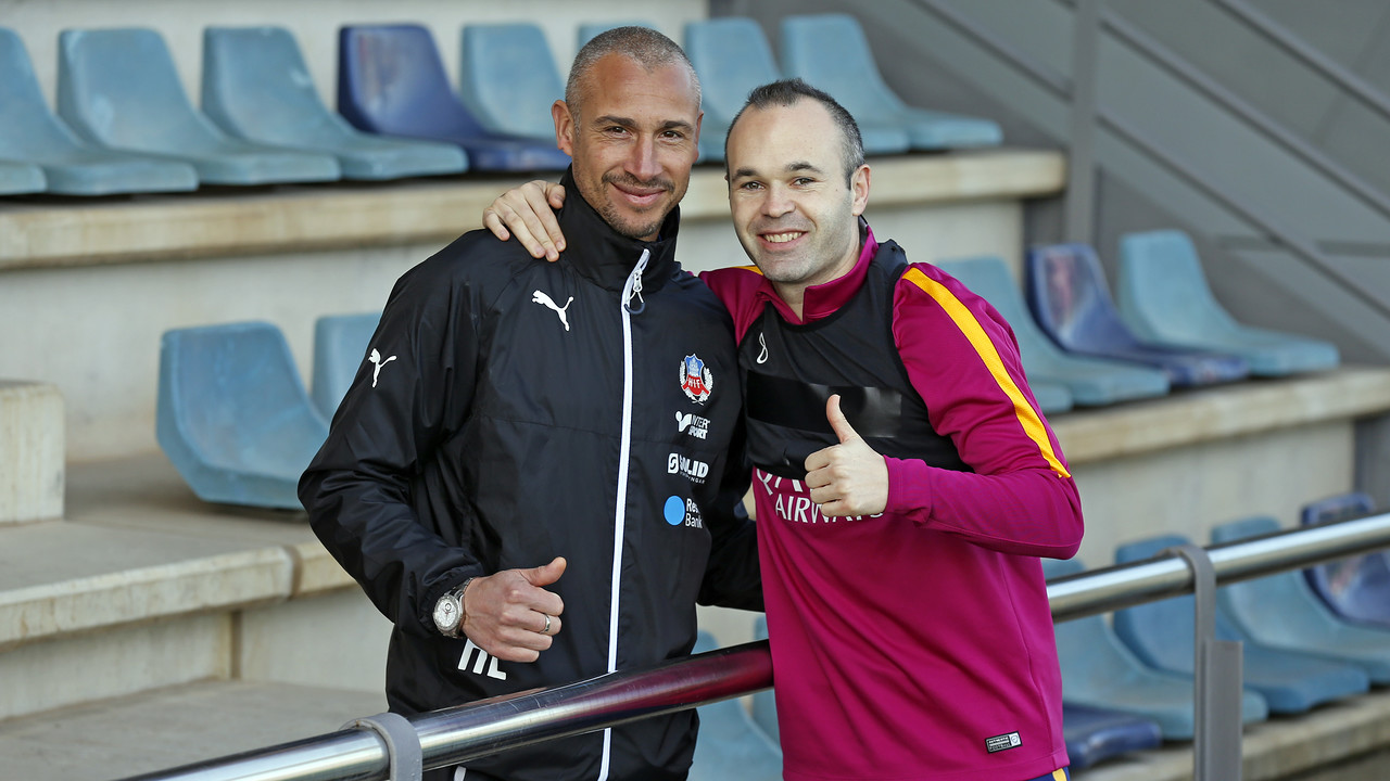 Henrik Larsson and Andrés Iniestaplayed together when Barça conquered Europe in 2006. / MIGUEL RUIZ - FCB