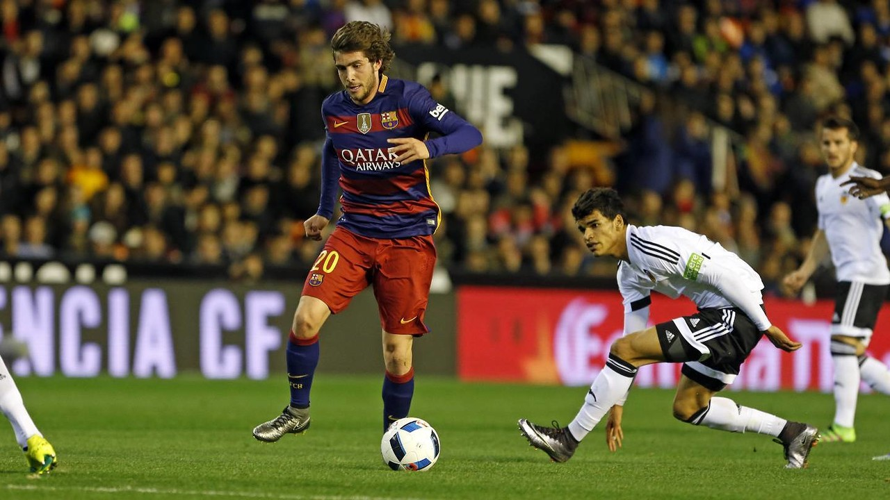 Sergi Roberto, here against Valencia, is one of 27 players to have seen action in this year's tournament. / MIGUEL RUIZ-FCB