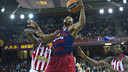 Dorsey in a rebound attempt against Greek giants Olympiacos / VICTOR SALGADO - FCB