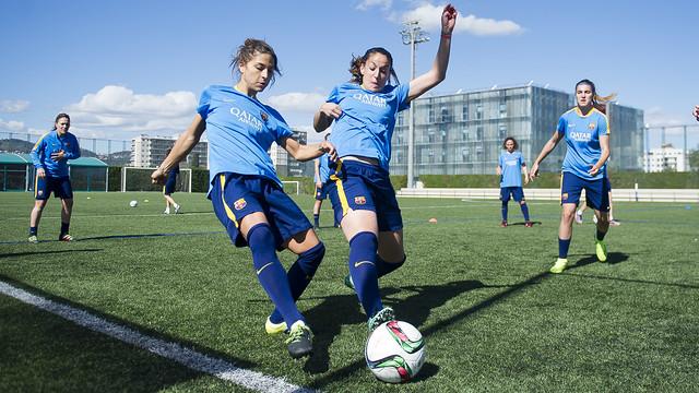 Sandra Hernández y Olga García, en el entrenamiento de este miércoles / VÍCTOR SALGADO-FCB