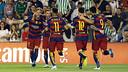 Rakitic, Jordi Alba and the trident celebrate the first goal at the Benito Villamarín / MIGUEL RUIZ-FCB