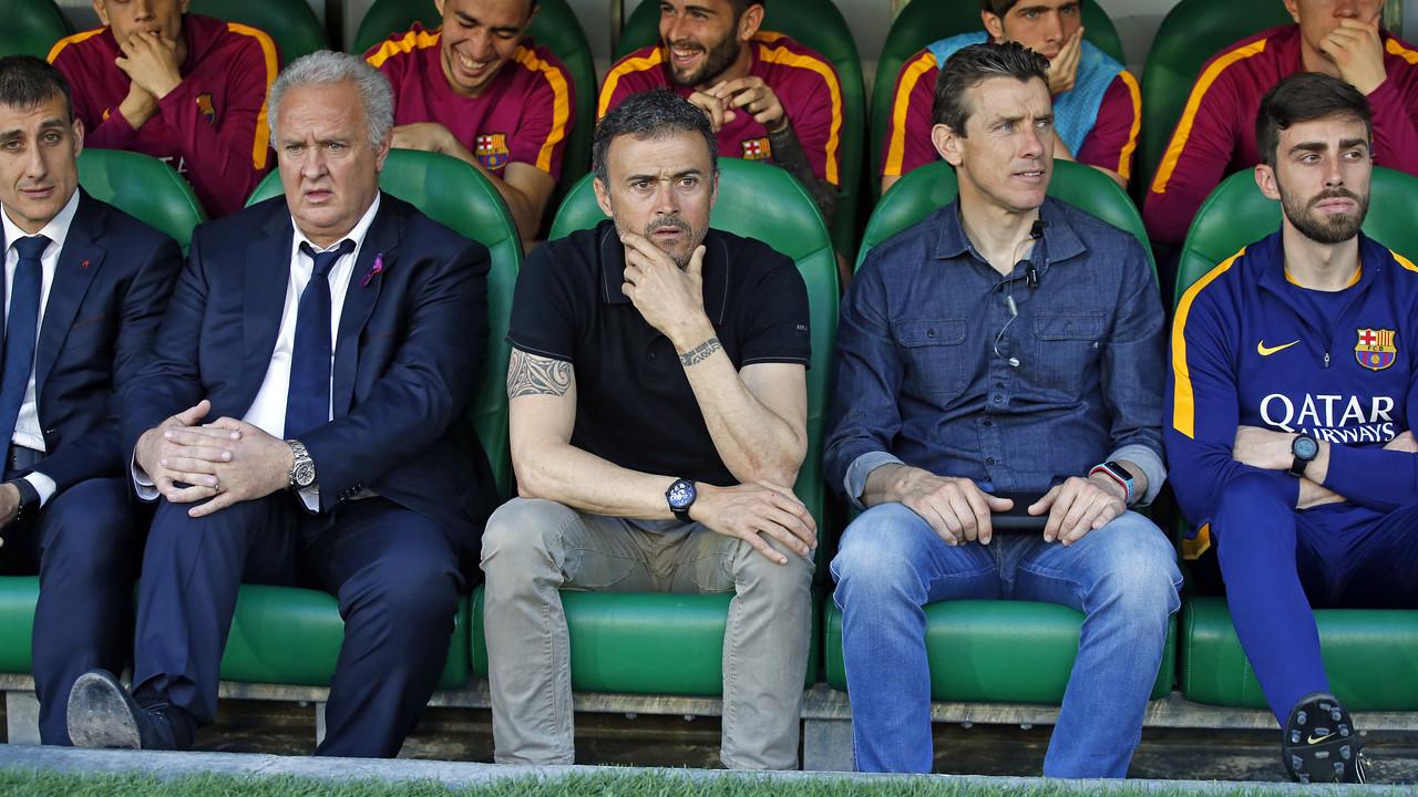 Luis Enrique on the bench at the Benito Villamarín / MIGUEL RUIZ - FCB