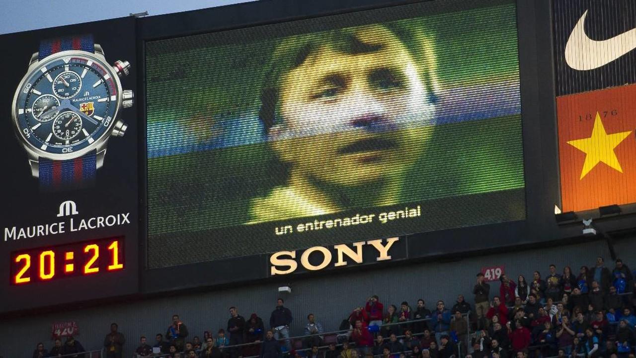 Vídeo 'Gràcies Johan' diproyeksikan di papan skor Camp Nou menjadi video yang paling banyak ditonton pada bulan April / VICTOR SALGADO - FCB