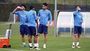 Los jugadores del Barça B durante el entrenamiento de este lunes / MIGUEL RUIZ-FCB