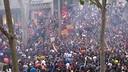 Milers d'aficionats celebren la Lliga a Canaletes