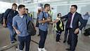 Le Président Josep Maria Bartomeu salue Luis Suárez et Leo Messi / MIGUEL RUIZ - FCB