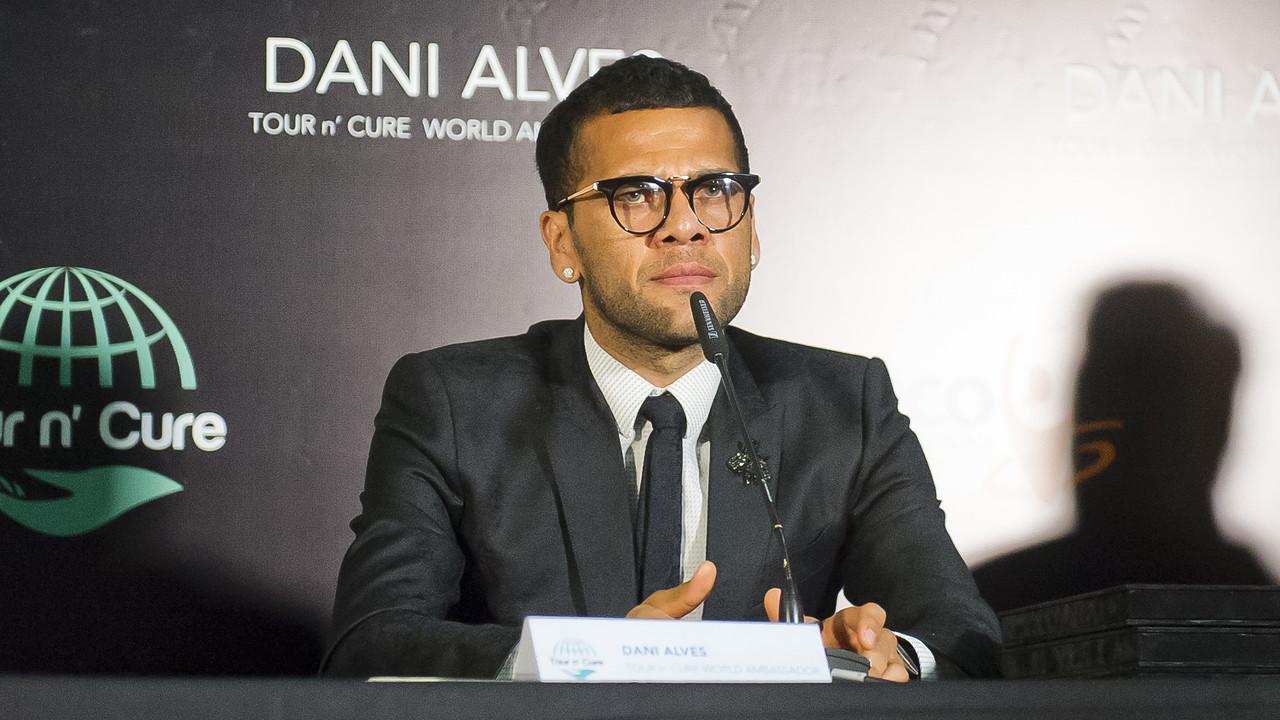 Dani Alves, en el acto de este martes / VÍCTOR SALGADO-FCB