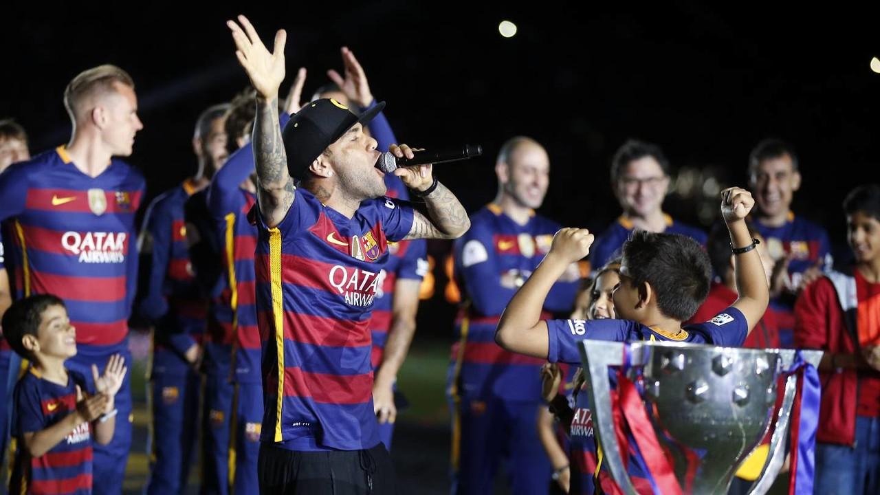 Alves na celebração do Barça.