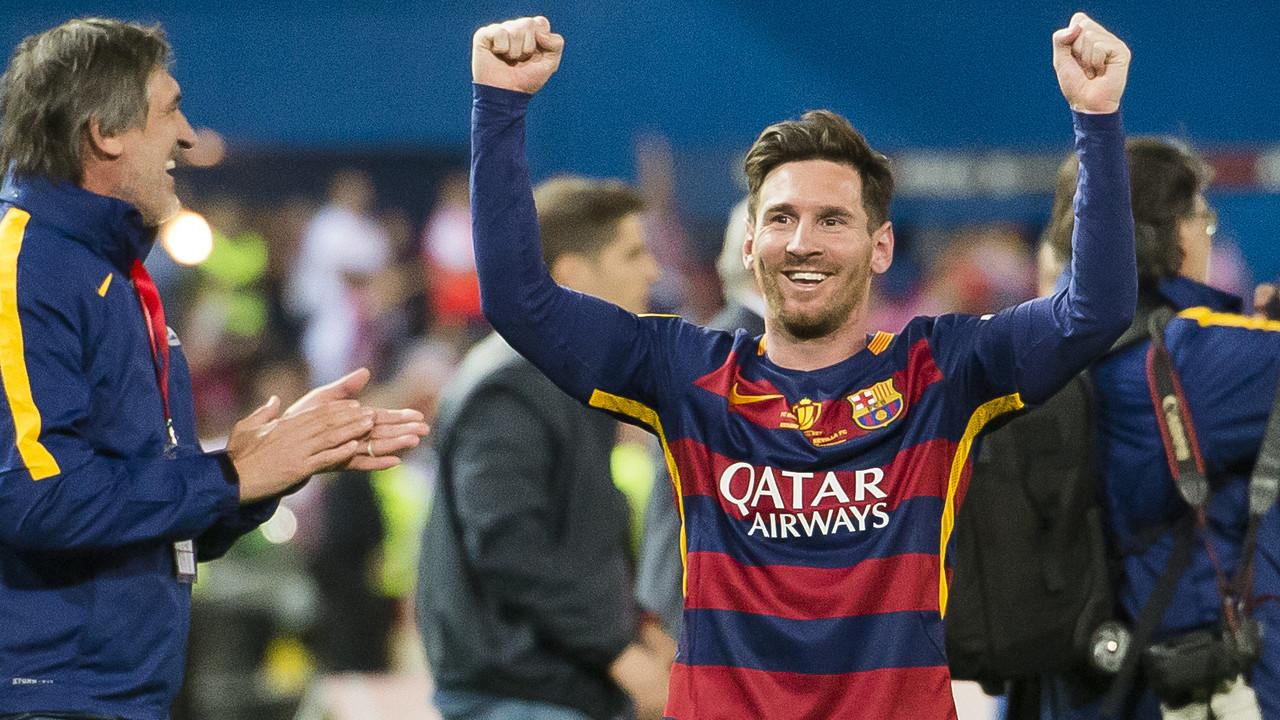 Messi comemora a Copa do Rei no Vicente Calderón / VICTOR SALGADO - FCB