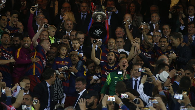 Iniesta and the Copa del Rey / MIGUEL RUIZ - FCB