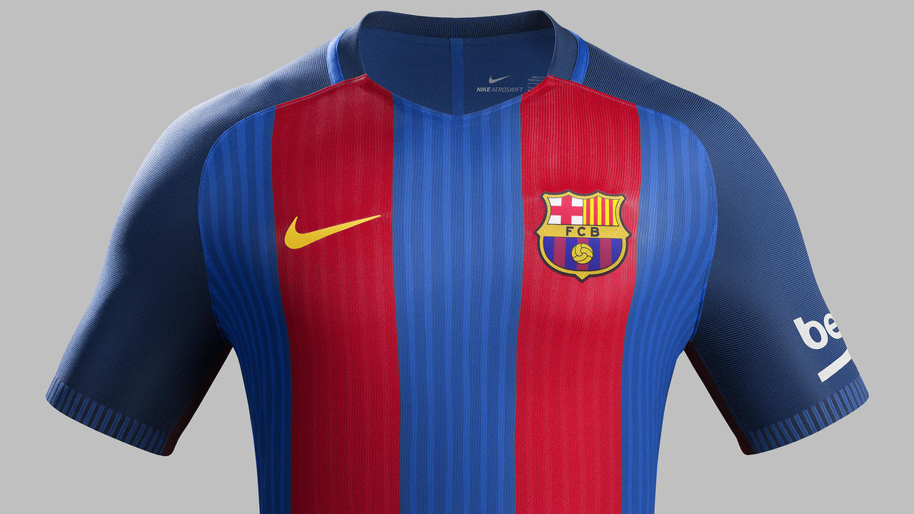 The first kit brings back the Club's iconic, vertical stripes. / FCB